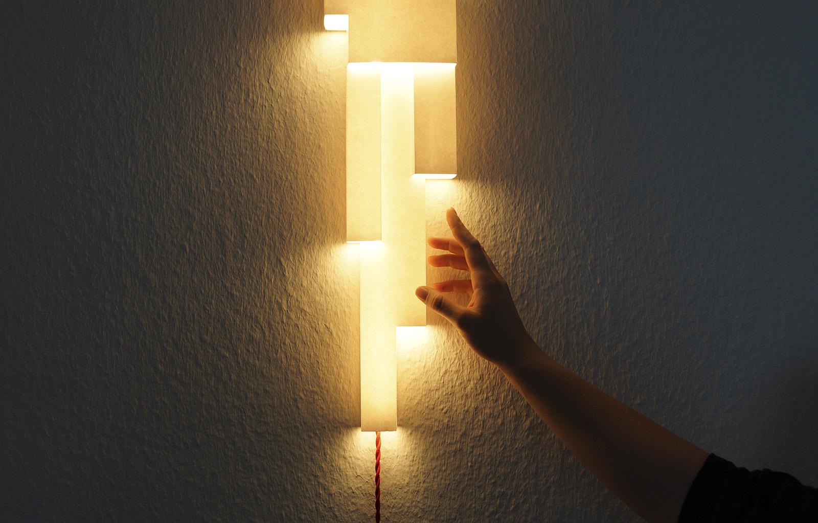 Stimmungsvolles Licht LightFold mit Hand